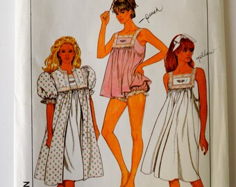 Simplicity 9119 Misses Nightgown, Robe and Baby Doll Pajamas Size 18-20 UNCUT