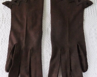 Vintage Dark Chocolate Brown Nylon Gloves with Scalloped Cutout at Wrist Womens Retro Formal Accessories