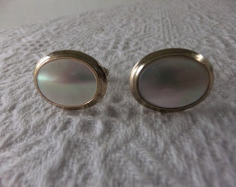 Vintage Mens Swivel Oval Cufflinks Faux Mother of Pearl Gold Tone Retro Wedding Suits Formal