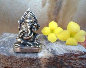 Ganesh Statue Meditation Altar Tiny Ganesha Statue Portable Altar Deity Statue  Pocket Shrine Hindu God Wisdom Wealth Success Gift Under 10