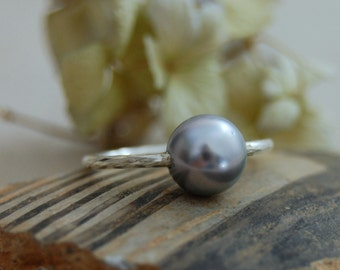 Brynn -  Minimalist - Tahitian pearl ring, promise ring, pearl ring, wedding ring, stacking ring, gift for her, jewelry, pearl, ring, silver