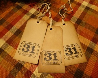 SET of 3 Large Primitive Halloween Oct 31 Hang Tags