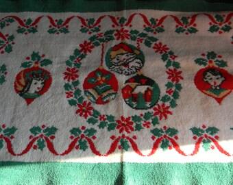 Vintage Christmas rug holiday decor farmhouse chic 1950 holiday decoration
