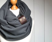 CHUNKY Infinity Scarf with leather strap, Extra chunky snood,winter fashion infinity scarf, anthracite snood, xmas gift ideas