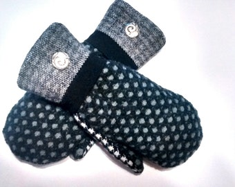 Black Patterns, Small / Medium, Etsy mittens, recycled sweaters, women's mittens, fleece lined mittens, etsy sweater mittens