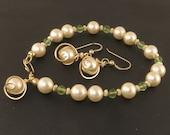 Cream Pearl and Peridot Gold Bracelet Gift Set, Pearl and Green Gemstone Bracelet Earrings Jewelry Set
