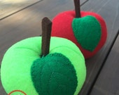 Felt Apples - Red and Green Felt Apples with Leaf Application - Children's Pretend Play Food Apples - Kids Felt Garden Apples - Pretend Play