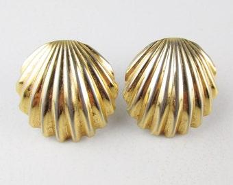 Vintage Earrings: Trifari Gold Tone Shell Clip Ons