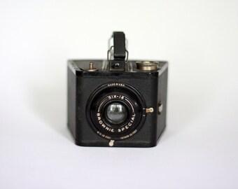 vintage brownie six 16 camera