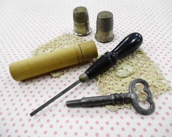 Antique Treadle Sewing Machine Cabinet Drawer Key Miniature Screwdriver Thimbles Collection Estate Lot