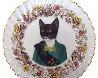 ON SALE Kitty Scout Portrait - Altered Vintage Plate 8""