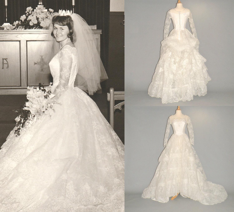 Vintage Wedding Dresses Milwaukee: Vintage wedding cabinet photo ...