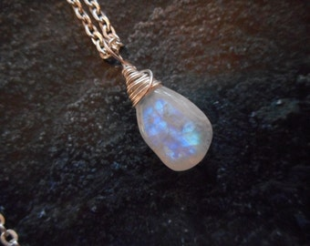 Moonstone Necklace, Rainbow Moonstone Necklace, Moonstone Jewelry Smooth Simple Moonstone Necklace - Bright Silver Asymmetrical