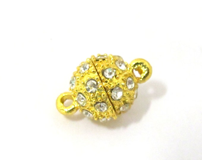 1  magnetic clasp - Beautiful sparkly rhinestone inlaid Gold plated magnetic clasp - LN003