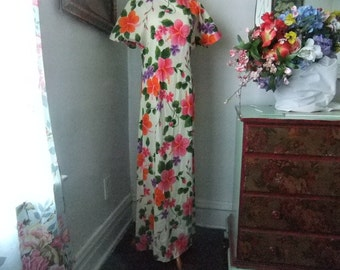 1970's Maxi Dress With Pink, Purple and Orange Flowers