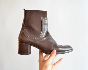 Vintage 1990s CHELSEA leather ankle boots / 6