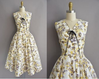 50s yellow cotton floral print vintage dress / vintage 1950s dress