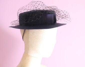 Boater hat in Navy Swiss Blaids