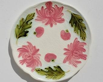 Vintage SMF Schramberg/Villeroy & Boch Majolica Plate - Majolica, Plates, Majolica Plates, German, German Majolica, Floral, Mums