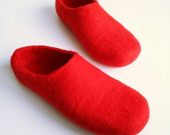Woollen clogs for men Felted merino wool Slippers House shoes in Red perfect Valentines Day gift UK seller