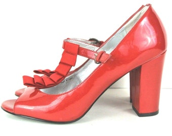 VINTAGE TAHARI Red Patent Leather High heel Mary Janes,Open toe Women's Shoes sz 7 M STEAMPUNK swing