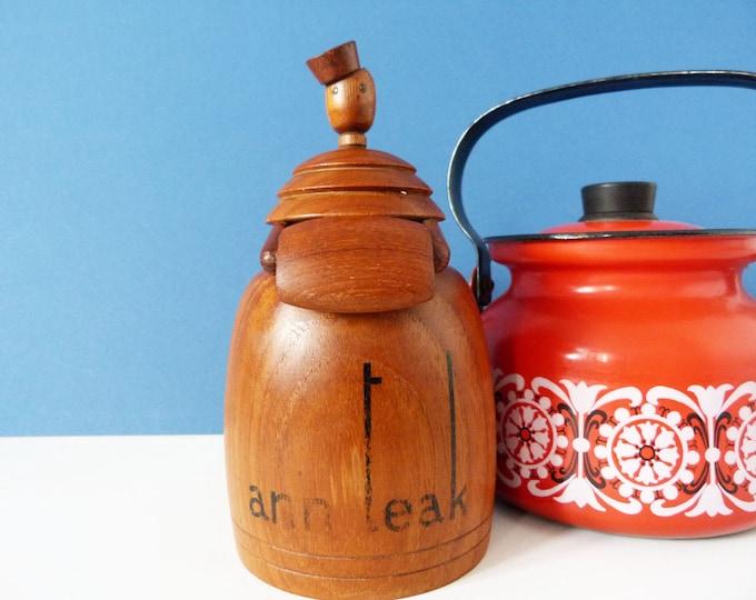 Ann Teak porters bell vintage