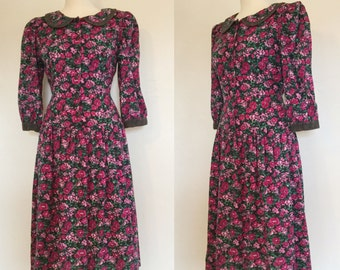 Vintage 80s / Hot Pink / Rose Floral / Cotton / Puffed Sleeve / Tie Back / Garden / Day Dress / Medium / Large