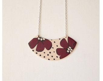 Red petals necklace