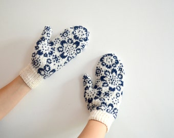 READY TO SHIP White Navy Flower Wool Mittens Winter Snowflake Floral