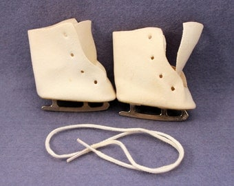 Vintage Doll Ice Skates Shoes Boots 1950s Large White Suede Fabric