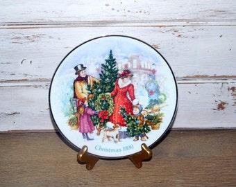 Vintage Avon Christmas Plate - Bringing Christmas Home - 1990