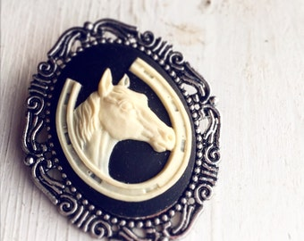 Horseshoe and Horse Cameo Brooch / Victorian Kentucky Derby Jewelry / Antique Silver Black and Cream