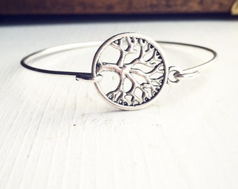 Tree Bangle Bracelet / Antique Silver Simple Gift for Nature Lovers / Tree of Life Layering Jewelry Summer Festival Style / Boho Bohemian