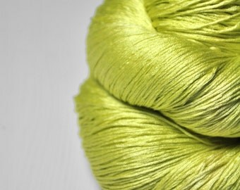 Splitted lime - Silk Lace Yarn - knotty skein