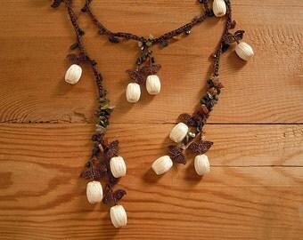 Crochet lariat necklace, cream