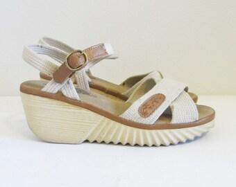 Vintage 1970's Platform Heels / Size 6.5 Heeled Bohemian Hippie Wedge Heeled Sandals Shoes