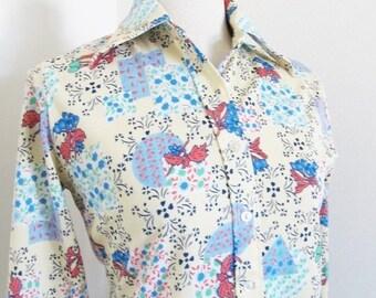 50% OFF SALE Vintage 1970's Polyester Retro Blouse / Novelty Print Mod Woman's Shirt Top / Size Medium