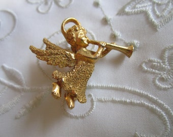 Vintage Gold Tone Christmas Angel Brooch
