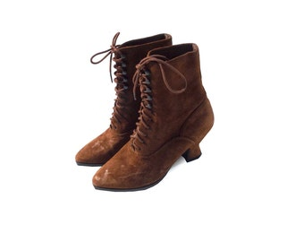 Sienna brown suede lace up granny boots 1990s 90s VINTAGE FOOTWEAR