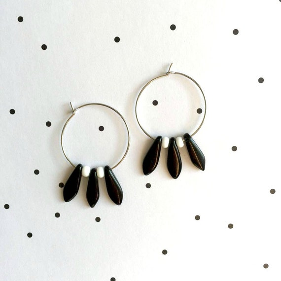 Hoop Earring, ear, circle, brass, nickel free, two sizes diameter possibilities, oval, glass bead, black, white, les perles rares
