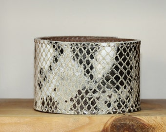Snakeskin / Python Print Leather  Bracelet / Cream Tan Brown  Leather Cuff Bracelet