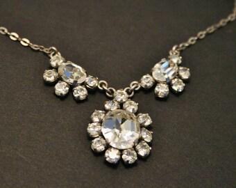 Vintage crystal necklace. Rhinestone necklace