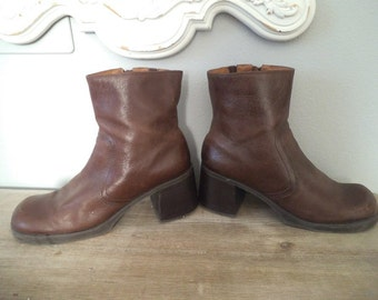 Vintage 1990s Pesaro Leather Chunky wood stacked Heel boots ~ Woman's 10 M  Brown leather