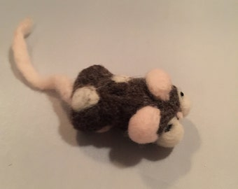 Sweetie the spotted Mouse ( needle felted )