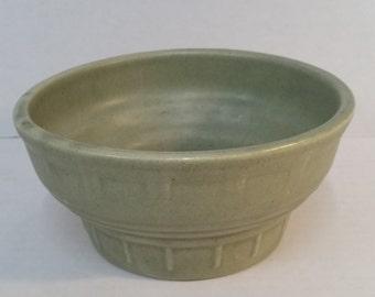 Vintage green Haeger Pottery bowl. Celadon flower pot vase. Hager USA 33