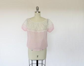 Vintage 1950s Blouse / 50s Blouse / Sheer Blouse / Chiffon Blouse / Peasant Top / Pink Blouse / Lace Blouse / 1950s Shirt