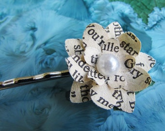 Book Page Flower Hairpin (Pearl Center)