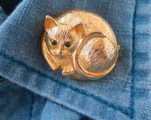 Vintage Gold Kitten Pin, Curled up Kitty Pin, Brooch, Gift Idea