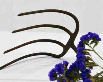Rustic Pitchfork Head - primitive steel - Curved Farm Tool - barn decor