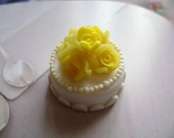 Dollshouse Food 1:12 wedding cake birthday cake Puppenstube Küchen Miniatur, maison de poupées cake sweet